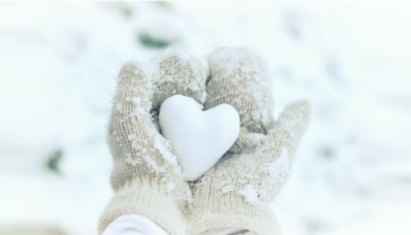 hands heart love snow
